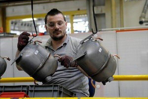 Získať dočasných pracovníkov nebude už také jednoduché ani pre spoločnosti v Česku.