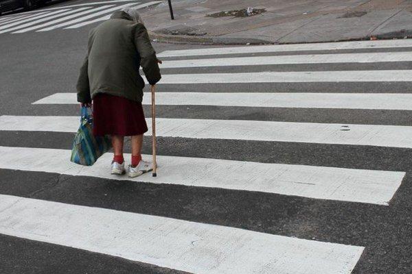 Laurencia si vyberala a na ulici oslovovala iba starších ľudí, ktorých dôverčivosť ľahko zneužila.