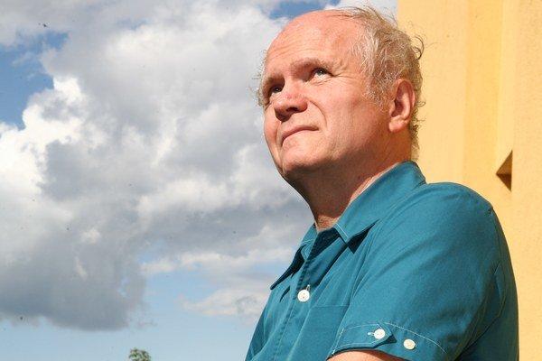 Peter Jurčovič. Východniarom predpovedá chladnú a vlhkú Veľkú noc.