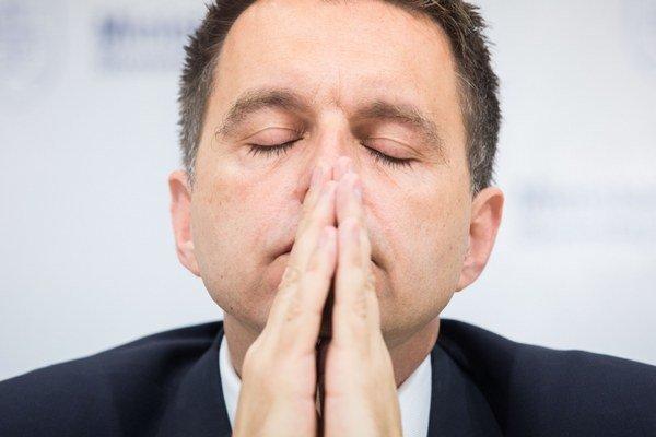 Úradníci od ministra financií Petra Kažimíra opravili zoznam najväčších platcov dane z príjmov, no napriek tomu tam niektoré veľké firmy chýbajú.