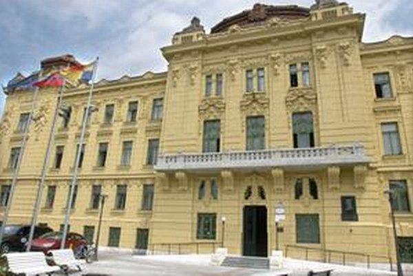 V budove Úradu KSK v pondelok schváli rozpočet na rok 2015.