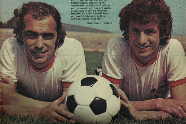 Slávna trenčianska futbalová dvojička – Alexander Kovács a Peter Ančic (vpravo).