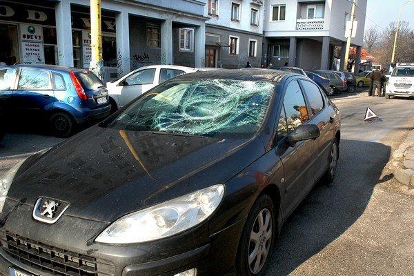 Po nehode. Polícia začala vyšetrovať, ako k nej vlastne došlo.