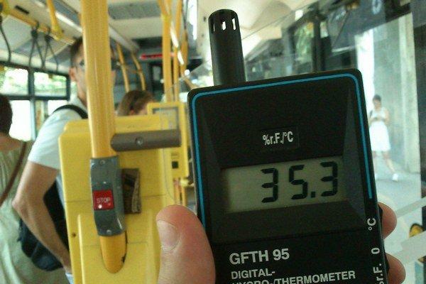V SOR–e so spustenou klimatizáciou by mala byť teplota nižšia, ako vonku. My sme namerali presný opak.