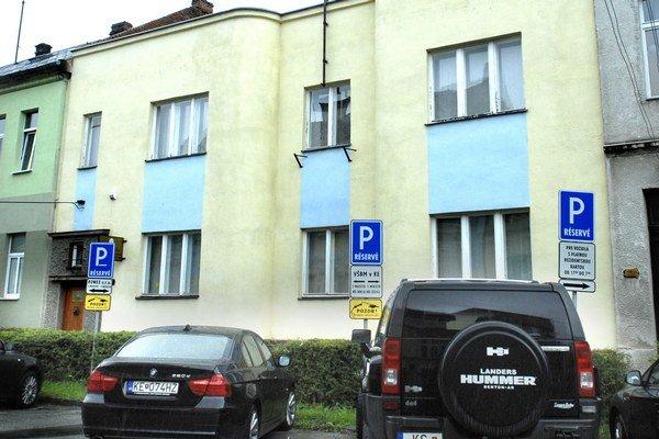 Kukučínová  8. Súkromnej vysokej škole končí nájom na štátnu budovu.