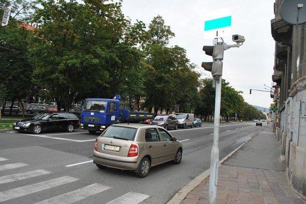 Kamery na Moyzesovej ulici. Dohliadajú na plynulosť premávky.