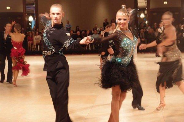 Katka a Samuel v akcii. Počas minútového tanca musia byť maximálne sústredení.