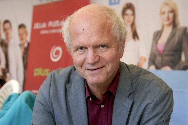 Peter Jurčovič. Aj on sa teší na babie leto.