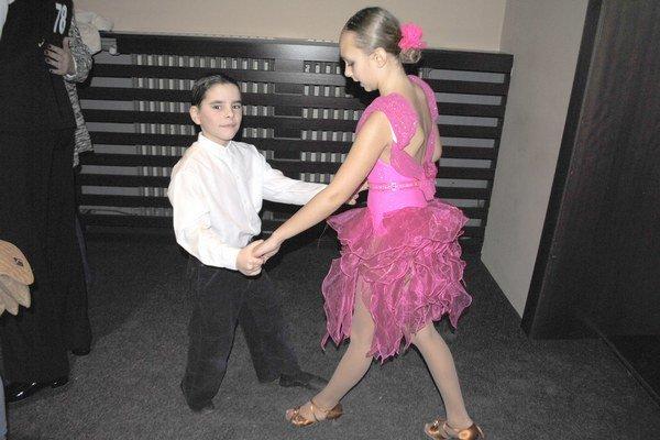 Anička a Samko poctivo trénovali. Vytancovali si prvé miesto.