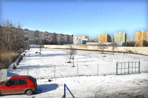 Pozemok na Bardejovskej. Miesto pre sakrálnu stavbu.