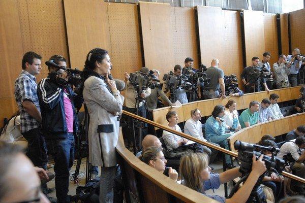 Médiá na procese. S blížiacim sa rozsudkom ich záujem opäť rastie.