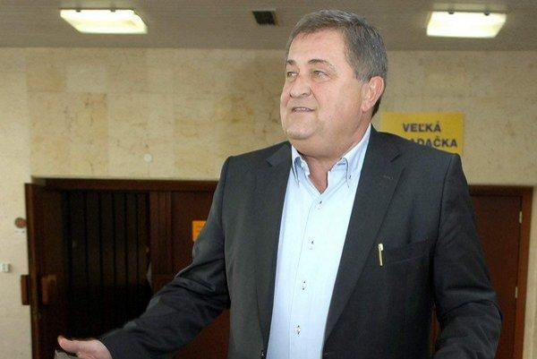 Boris Farkašovský vedie rebríček najlepšie zarábajúcich poslancov KSK.