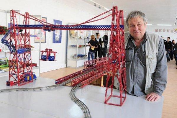Autor výstavy, Jiří Mládek z Českej republiky.