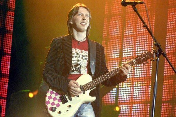 Peter Cmorik bude špeciálnym hosťom talianskeho gitaristu.