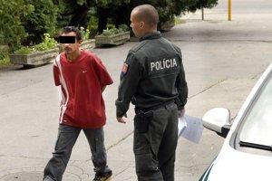 Obvinili ho z vraždy. Pred súdom tvrdil, že on nesekal.