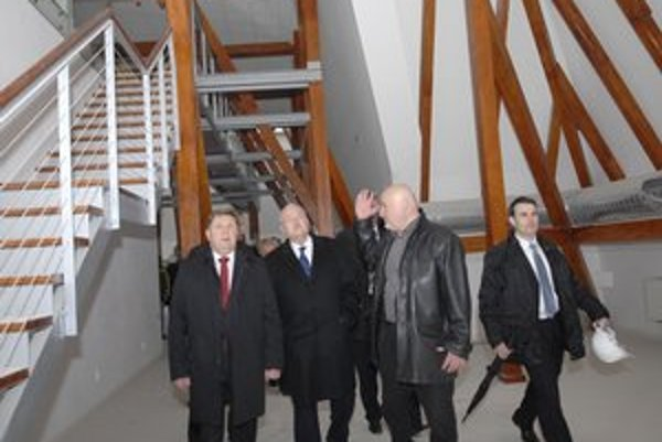 Východoslovenské múzeum. Župan Trebuľa v ňom nedávno prezidentovi I. Gašparovičovi ukazoval, čo sa stihlo zrekonštruovať.