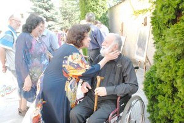 Július Hegyesy. S manželkou a vnučkou.