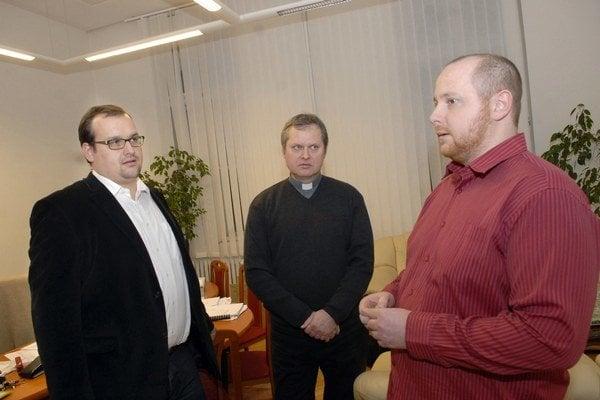 K. Lászlo a M. Sýkora. Kvestor UPJŠ a právnik dominikánov dnes hľadajú dohodu