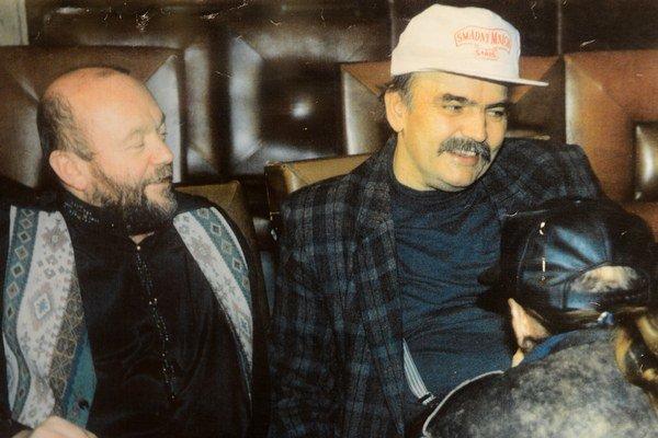 J. Szabados (vpravo) na archívnej snímke z roku 1996 s Petrom Lipom.