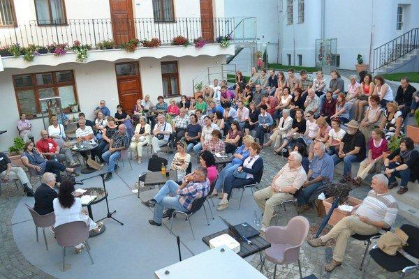 Návštevníkov prichádzalo požehnane. Festivalu sa z roka na rok darí viac.