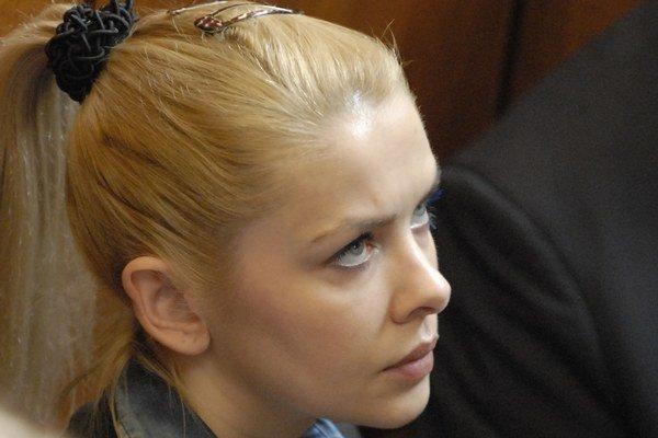 Eva Varholíková-Rezešová na súde.