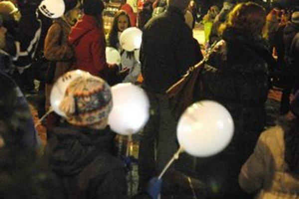 Pokus o rekord. Na Hlavnej rozdali 7 500 balónov, Košice vytvorili rekord.