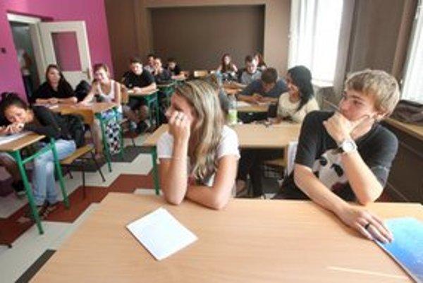 Vo výraznom mínuse sú niektoré školy v okrajových, najmenej rozvinutých regiónoch.