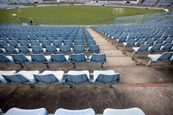 Zo štátnej kasy má ísť na štadióny každoročne 4,5 milióna eur. Napriek kríze.
