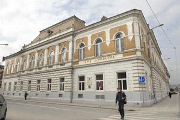 SPŠ Komenského. Kontrolóri tam zistili rekordných 68 pochybení.