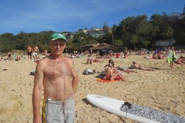 Na jednej z pláží. Aj táto je kvôli žralokom monitorovaná.