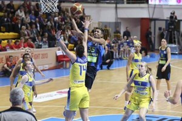 V semifinále s Fenerbahce neuspeli. Košické basketbalistky si zajtra zahrajú s Bourges o tretie miesto.