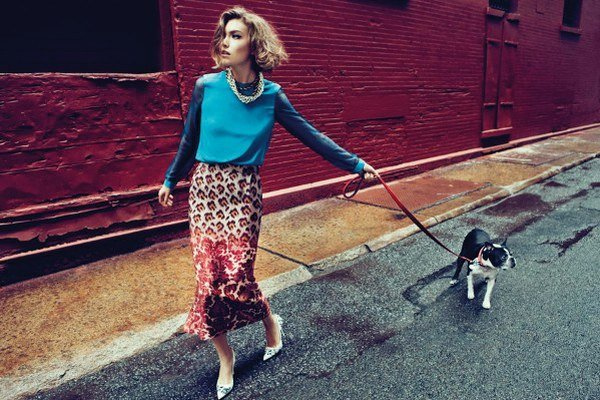 Arizona Muse - fotenie kolekcie blúzok pre Vogue