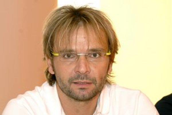 Ján Ďurovčík. Pracuje v Košiciach na balete Zvonár u Matky Božej. Premiéru bude mať koncom októbra.