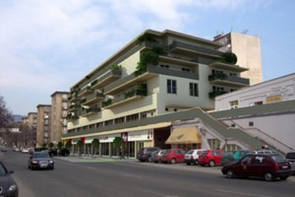 Nadstavba v roku 2014?. Investor plánuje 4 nové poschodia a 38 najmä menších bytov.