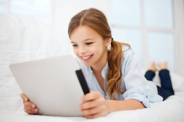 """Prvé náznaky """"groomingu"""", úsilia zmanipulovať dieťa s cieľom jeho sexuálneho zneužitia, indikuje fakt, že si dieťa pravidelne odstraňuje históriu svojej komunikácie na internete."""