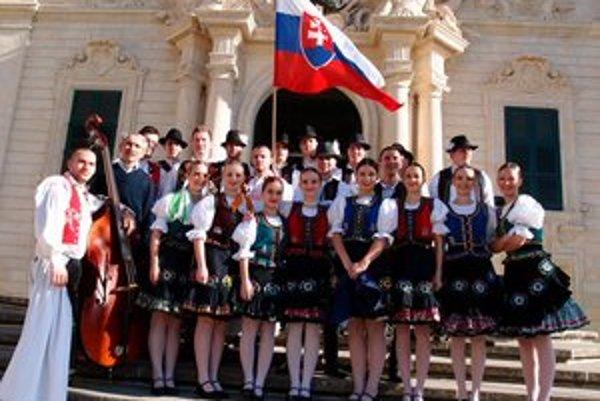Opäť očarili. Členovia Železiaru zvíťazili predvedením zemplínskych tancov.