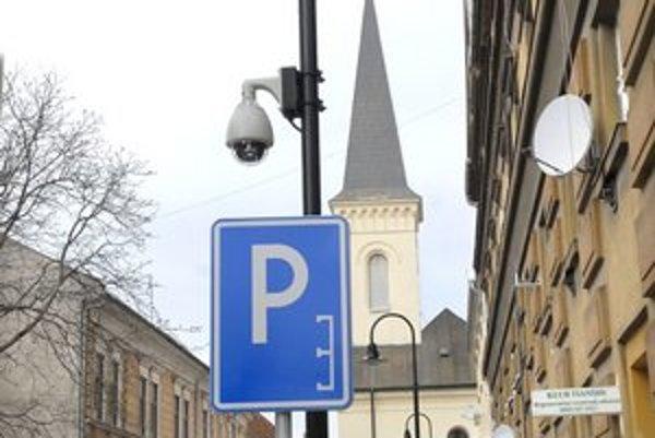 Kamery. Najnovšie tri monitorujú Hrnčiarsku ulicu.