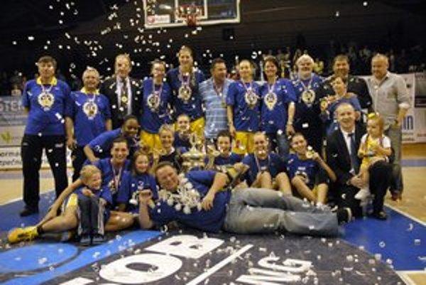 Majsterky. Basketbalistky Good Angels Košice.