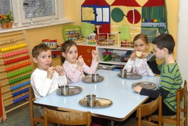 Škôlka zdražie 2-ročným na 50 eur. Alternatíva - jasle stoja aspoň 200.