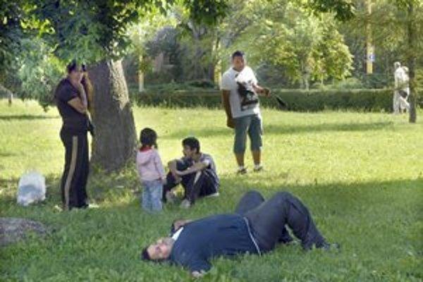Piknik už od rána. Ľudia sa Rómov pri Astórii boja.