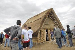 Replika obydlia z doby bronzovej. Medzi návštevníkmi zožala úspech.