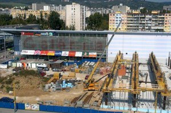 Nové stavby. V Košiciach ich vlani bolo menej. Doplácali na to stavebné firmy a výrobcovia materiálov.