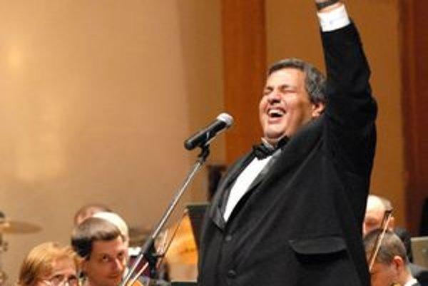 Šťastný Bango. Slepý spevák si účinkovanie s košickou filharmóniou užíval