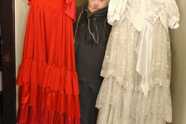J. Horváth so šatami z La Traviaty, ktorú úplne obnovili.