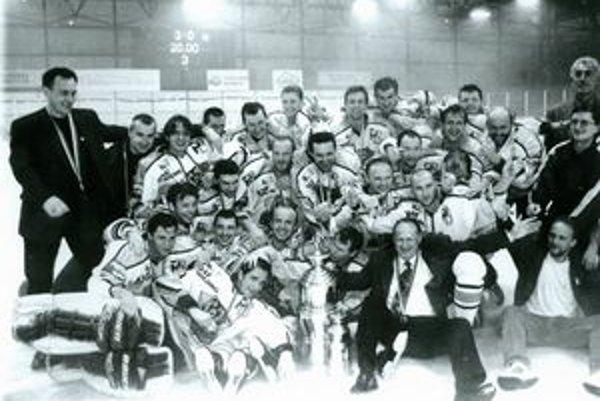 Víťaz extraligy v ročníku 1998/99.