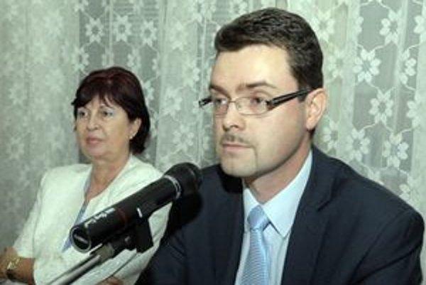 "Starosta. Opoziční poslanci J. Andrejčáka zatiaľ ""nestresujú"""