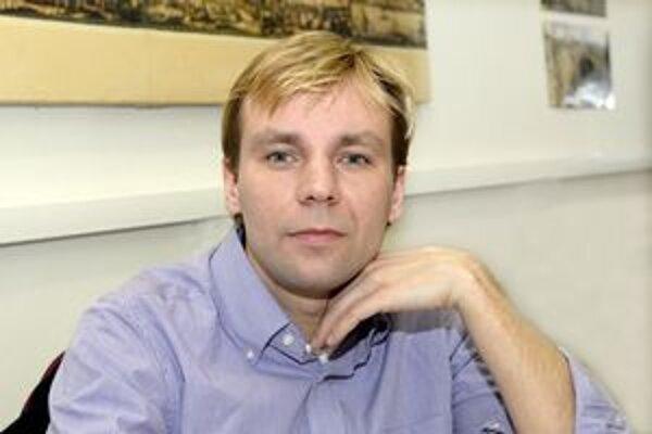 Roman Rokytka. Výsledky jeho práce uspeli v celosloslovenskej súťaži.