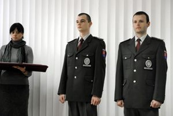 Medailu za obetavosť dostali stržm. Ondrej Jasaň (vľavo) a stržm. Erich Schürger.