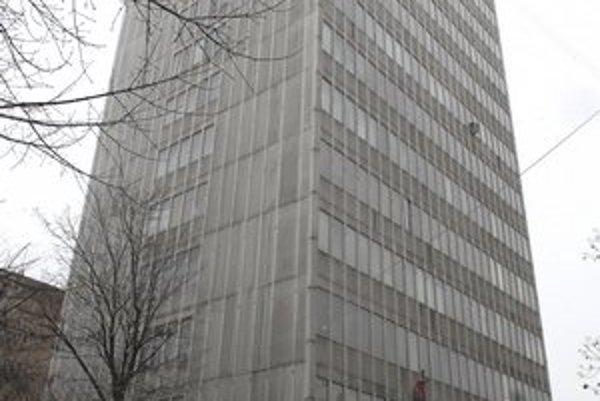 Daňový úrad na Garbiarskej. Štát túto budovu zrejme ešte tento rok predá.
