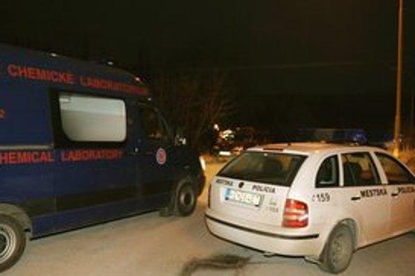 Na skládke zasahovala polícia aj špecialisti.